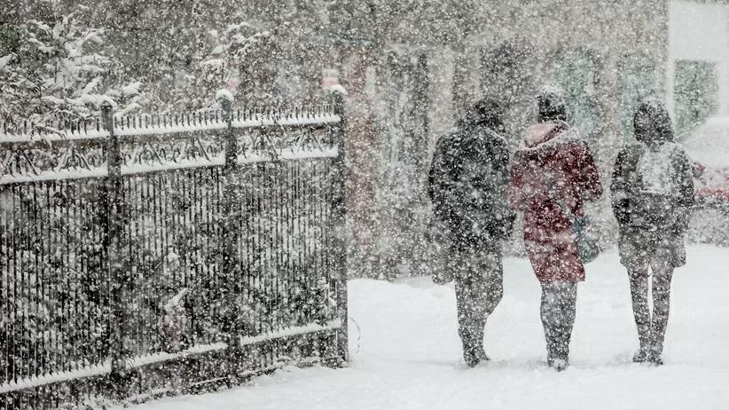 Pogoda na dzis niedziela 21 marca. Sniezyca przejdzie przez Polske jpg