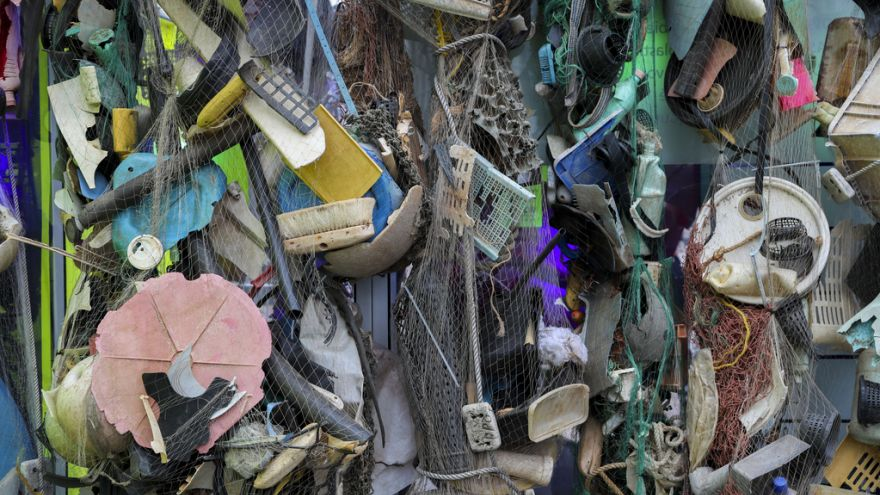 730 ton odpadów trafia codziennie do Morza Śródziemnego; UE chce temu zapobiegać