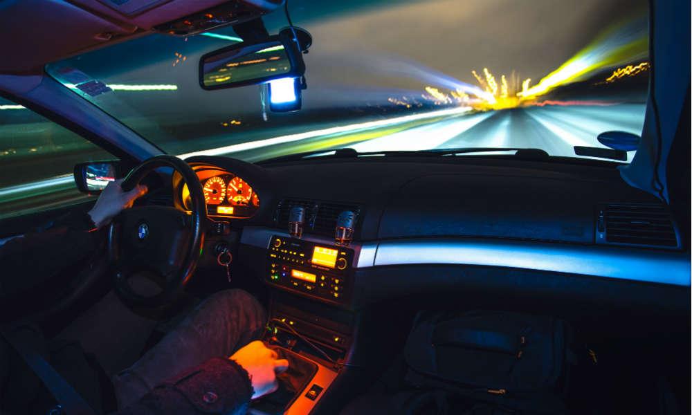 Obowiązkowe ograniczniki prędkości w samochodach po 2022 r.?