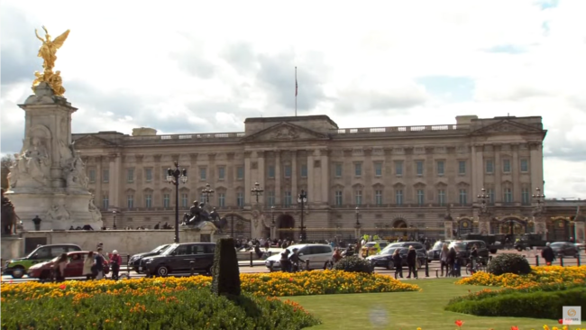 Screenshot 2021 04 09 LIVE Outside Buckingham Palace following Prince Philips death