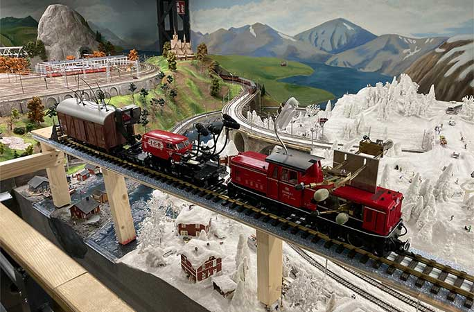 model train used for record attempt tcm25 654286